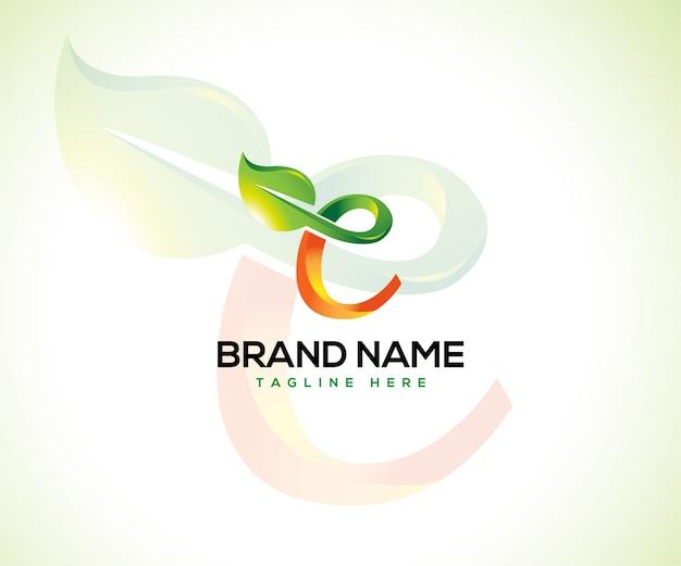 Logo de feuille et concept de logo lettre initiale c