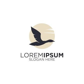 Logo goose fly