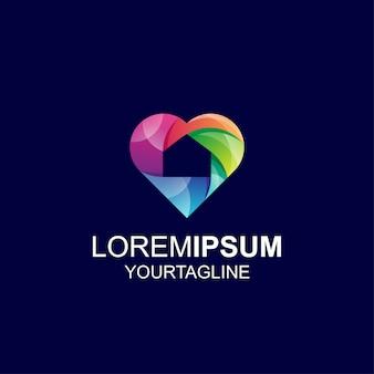 Logo love shield gradient color impression géniale