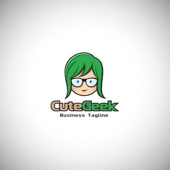 Logo de mascotte de personnage geek mignon