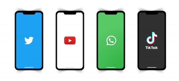 Logo de médias sociaux sur l'écran du téléphone.