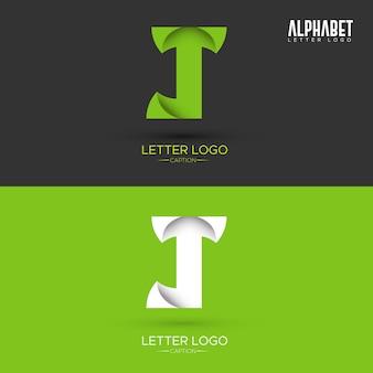 Logo organique de lettre de j en forme de feuille d'origami vert