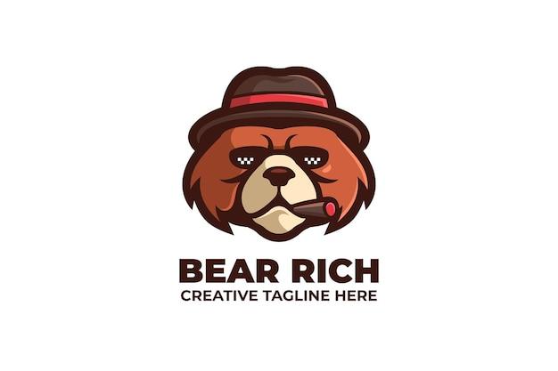 Logo de personnage mascotte ours en colère de fumer