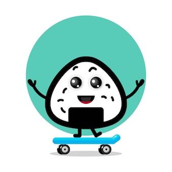 Logo de personnage mignon de planche à roulettes onigiri