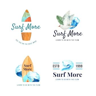 Logo avec planches de surf à la plage