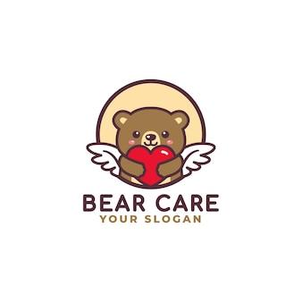 Logo de soins de coeur étreignant ours mignon