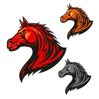Logo tête de cheval furieux. logo vectoriel stylisé étalon enflammé de feu.