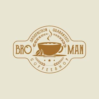 Logo de timbre d'insigne d'étiquette d'emblème de café rustique rétro vintage avec des grains de café
