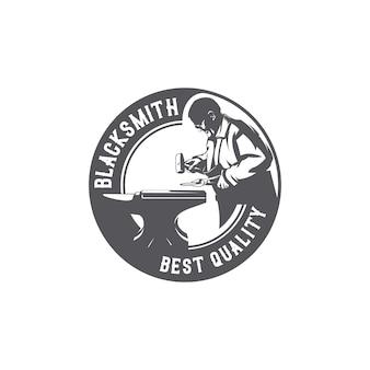 Logo de travail de forgeron