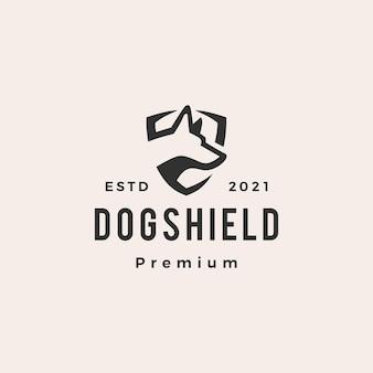 Logo vintage de chien bouclier hipster