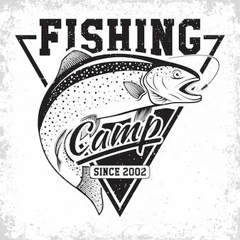 Logo vintage du club de pêche, emblème des pêcheurs de truite, timbres d'impression grange, emblème de typographie de pêcheur,