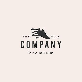 Logo vintage de hipster propre aux éclaboussures d'eau de blanchisserie de chaussures