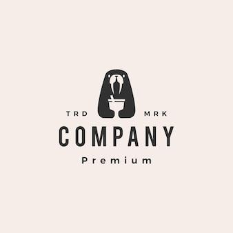 Logo vintage de hipster de tasse de boisson de morse