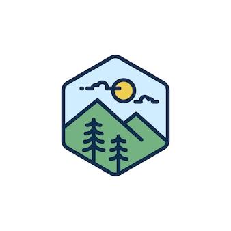 Logo voyage en montagne, aventure hipster