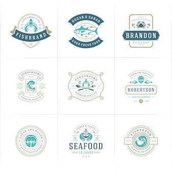 Logos ou signes de fruits de mer mis en marché aux poissons et restaurant