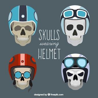 Lot de crânes avec un casque de pilote