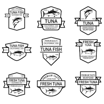 Lot d'étiquettes de thon de fruits de mer.