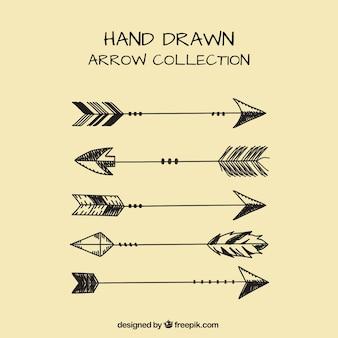 Lot de flèches dessinées à la main ethniques