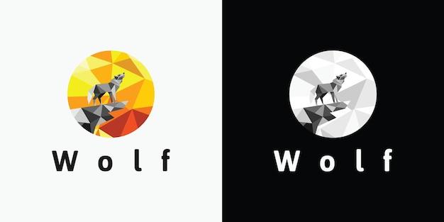 Loup, lune, référence du logo