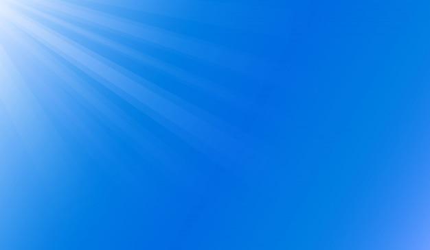 Lumière du soleil sous l'océan bleu