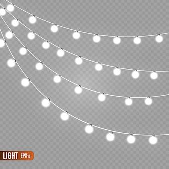 Lumières de guirlande isolés sur fond transparent.