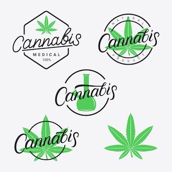Main de cannabis écrit des logos de lettrage, des étiquettes, des emblèmes, des badges définis.
