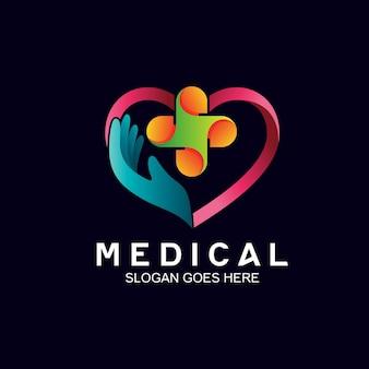 Main et coeur dans la conception de logo médical