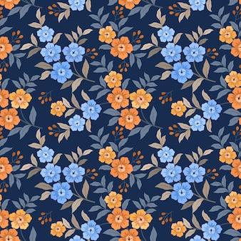 Main colorée dessiner un motif sans couture de fleurs pour le papier peint textile en tissu.