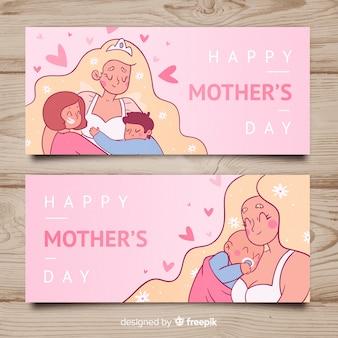 Main dessinée mère avec bannière de la fête des mères de ses enfants