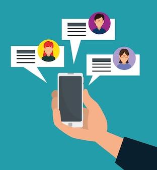 Main avec smartphone et bulles de discussion sociales