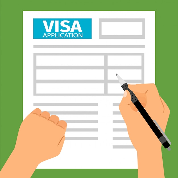 Des mains d'homme remplissant une demande de visa,