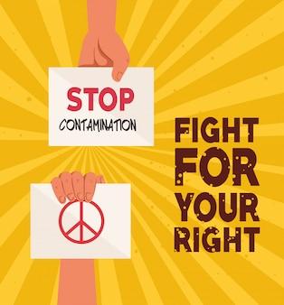 Mains avec des pancartes de protestation, battez-vous pour votre droite