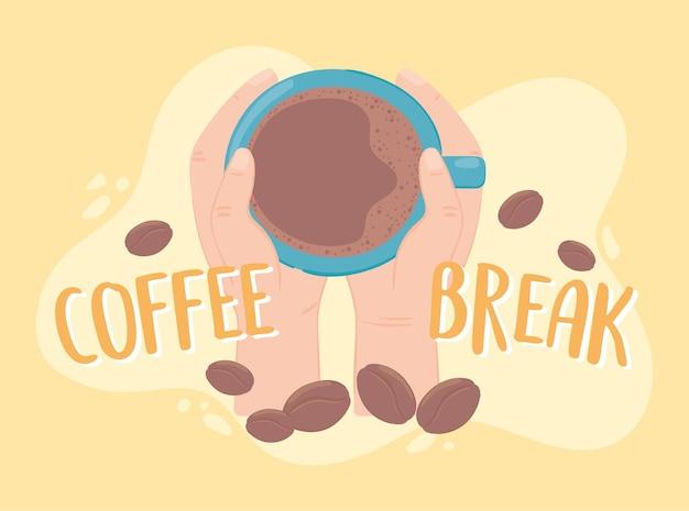 Mains avec une tasse de café