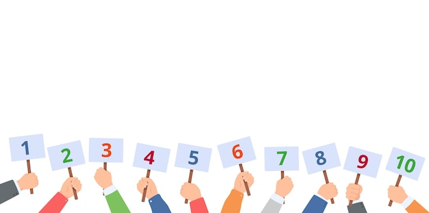 Les mains tiennent des cartes de pointage avec des chiffres comité des juges avec des cartes de pointage concept de rétroaction du vote du concours