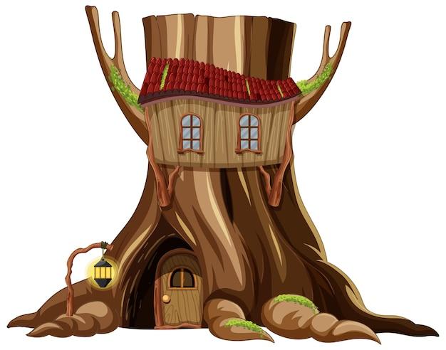 Maison d'arbre à l'intérieur du tronc d'arbre