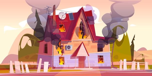 Maison en feu à la maison brûler avec des flammes et des nuages de fumée noire