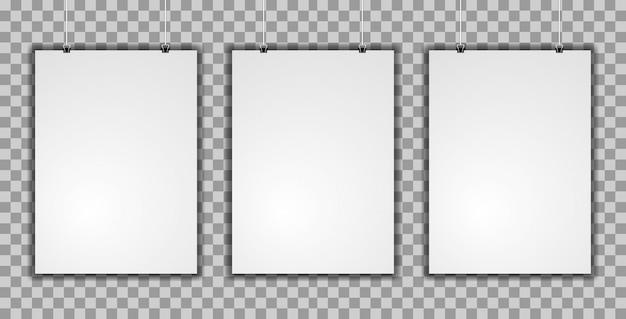 Maquette réaliste de trois affiches verticales