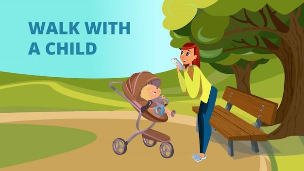 Marcher avec l'enfant de dessin animé mère fils en poussette