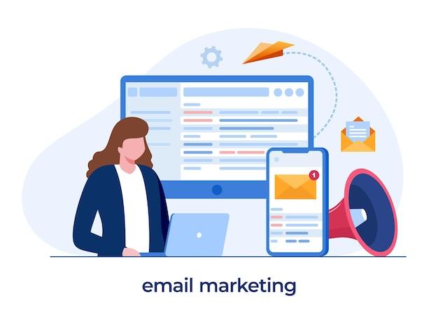 Marketing par e-mail, stratégie commerciale en ligne, publicité, homme avec un ordinateur portable, vecteur d'illustration plat