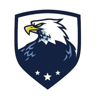 Mascotte aigle tête avec vecteur emblème de bouclier