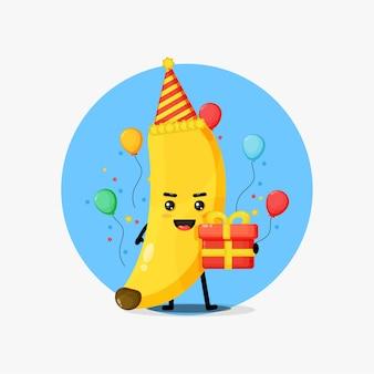 Mascotte de banane mignonne pour anniversaire