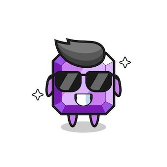 Mascotte de dessin animé de pierre précieuse violette avec un geste cool, design de style mignon pour t-shirt, autocollant, élément de logo