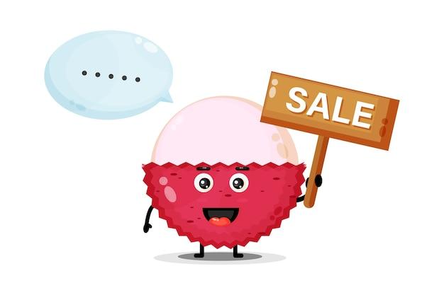 Mascotte de litchi mignonne avec le signe des ventes