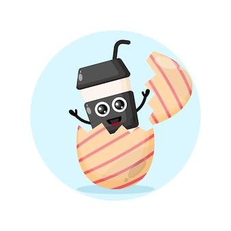 Mascotte de personnage mignon d'oeuf de pâques de tasse en plastique de café