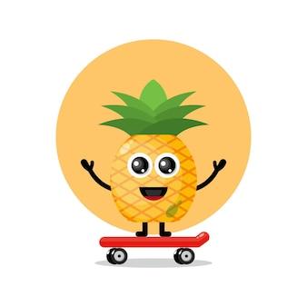 Mascotte de personnage mignon skateboard ananas