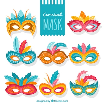 Masques de carnaval coloré