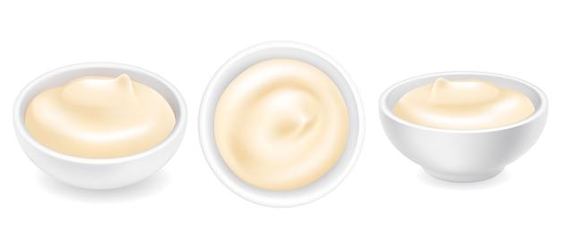 Mayonnaise 3d réaliste ou crème sure dans un ensemble de bol rond. sauce crémeuse, yaourt isolé.