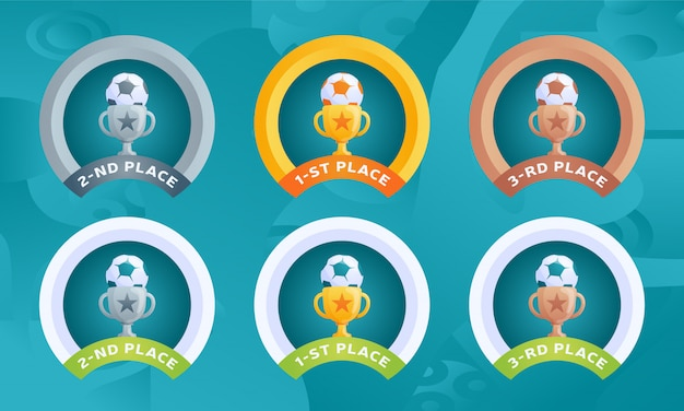Médailles de la phase finale du tournoi football 2020 pour les places avec une tasse et un ballon