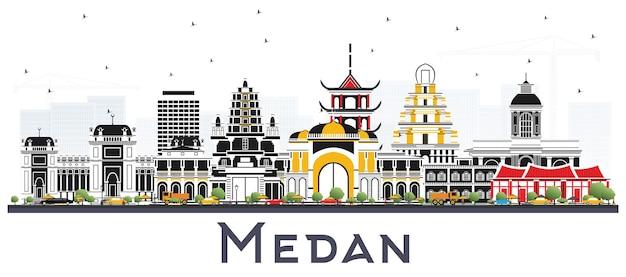 Medan indonésie city skyline avec des bâtiments de couleur isolés sur blanc. illustration vectorielle. concept de voyage d'affaires et de tourisme avec architecture historique. paysage urbain de medan avec points de repère.