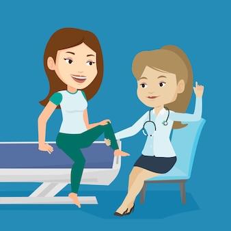 Médecin de gym vérifiant la cheville d'un patient.